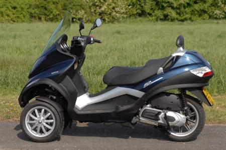 ¿Será una Piaggio MP3 su primera moto después de su CBT?